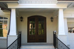 Tapered pvc porch columns the hallmark of craftsman style for Tapered craftsman columns