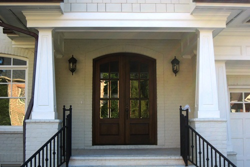 Tapered pvc porch columns the hallmark of craftsman style for Craftsman style columns